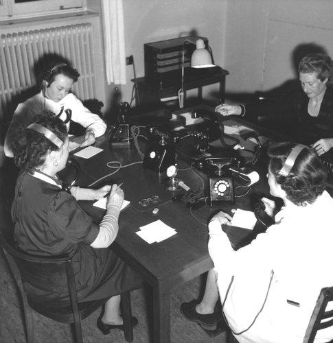Téléphonistes bénévoles de la Chaîne du Bonheur