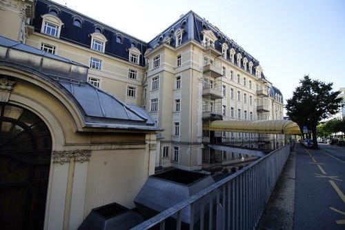 """Montreux Palace """"Entrée du Personnel"""" de l`hôtel..."""