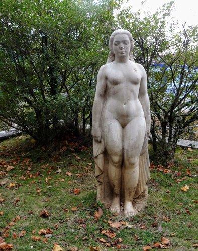 Flore - Sculpture d'Arthur Schlageter