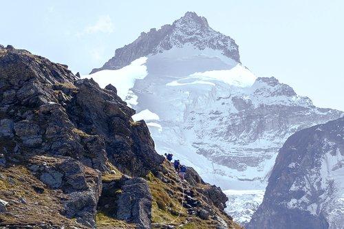 Vers la cabane du Grand Mountet