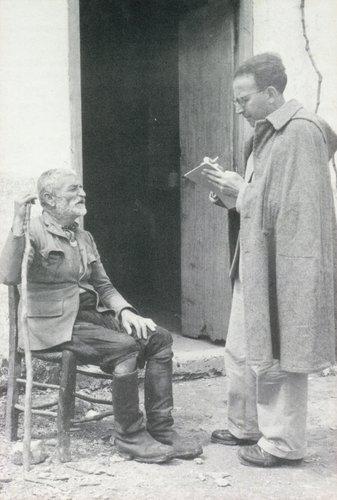 Samuel Baud-Bovy  à l'écoute d'un vieillard crétois en 1954