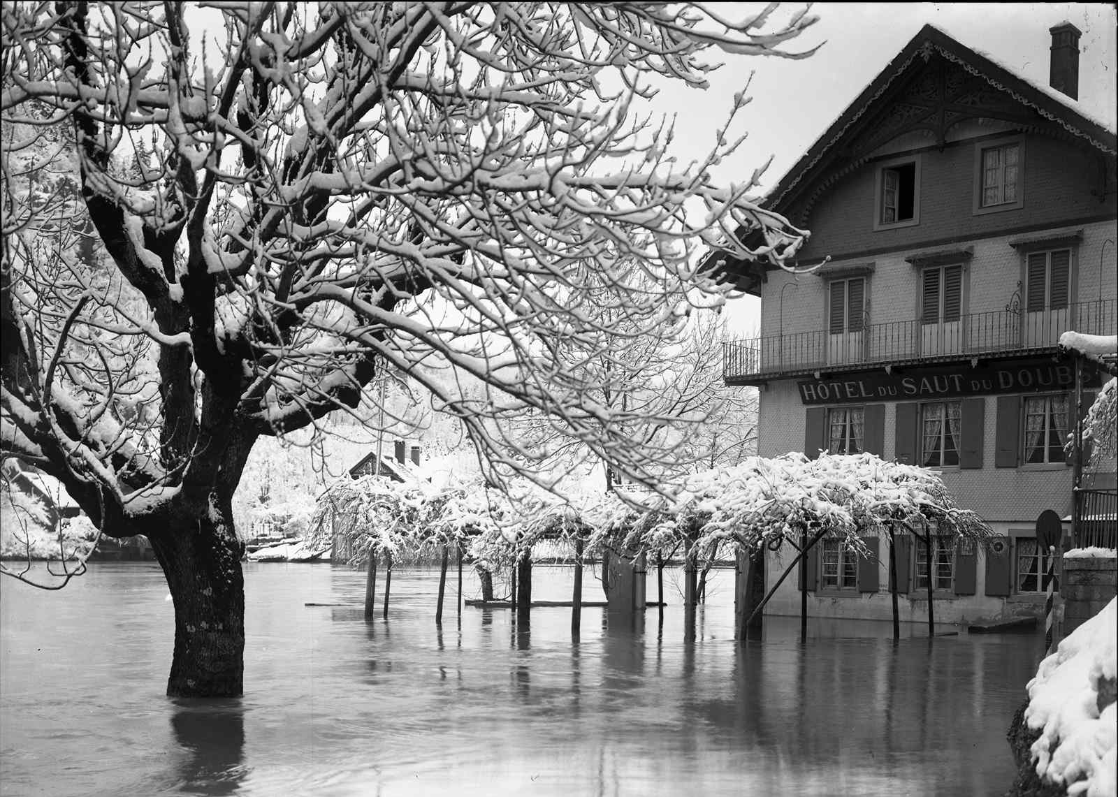 Saut du Doubs inondé, janvier 1910