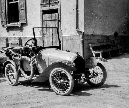 La première voiture...