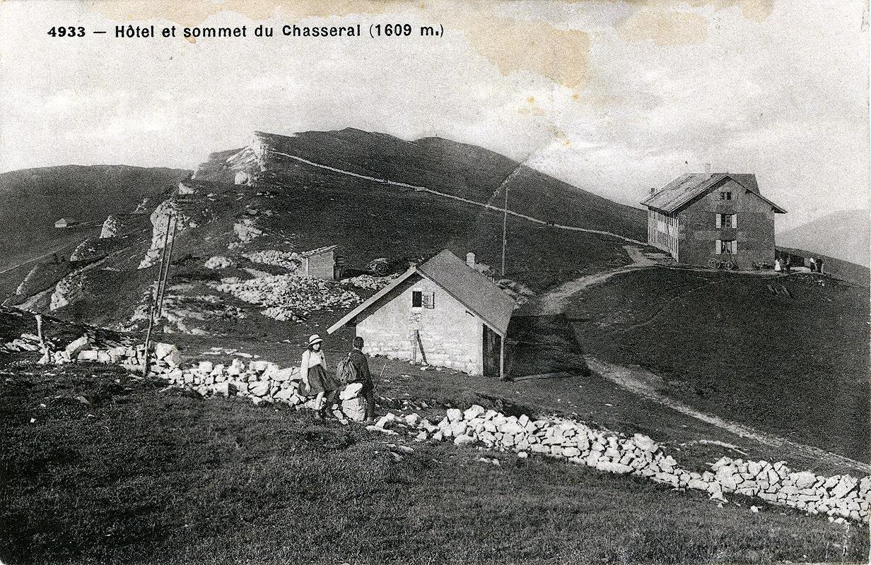 Hôtel et sommet du Chasseral