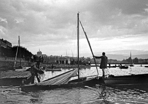 Genève, après l'orage, on vide les bateaux