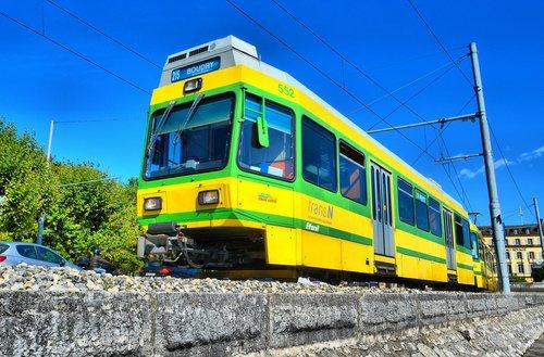 Le tram Boudry - Neuchâtel