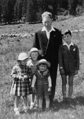 Mon Papa, mes sœurs et moi à la Brévine