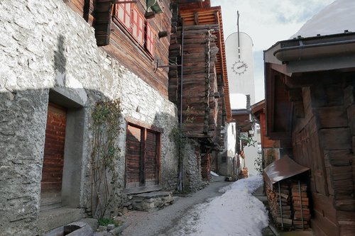 Albinen un village bien médiatisée (2)