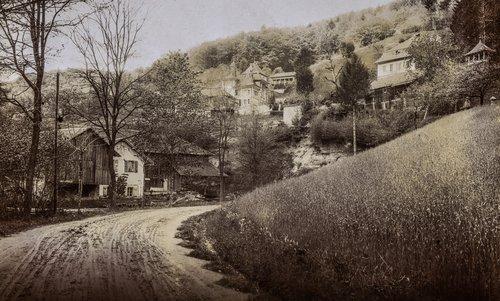 Château de la Rochette dans le Vallon de la Mérine