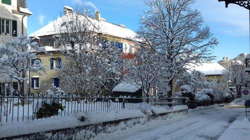 La Chaux-de-Fonds, ruelle enneigée_730