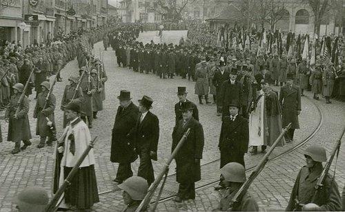 Lausanne défilé des conseillers d'état Vaudois
