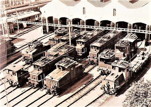 Le dépôt de Lausanne 1960 la halle aux locomotives