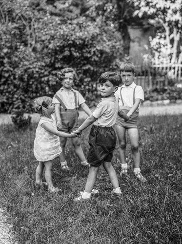 Genève, ronde d'enfants
