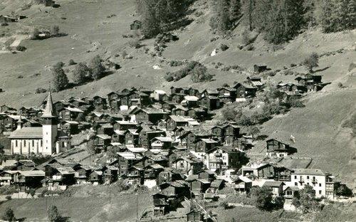 Le village d'Ayer