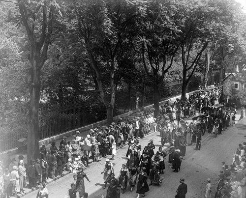 Genève, un défilé à la Rue Saint Léger