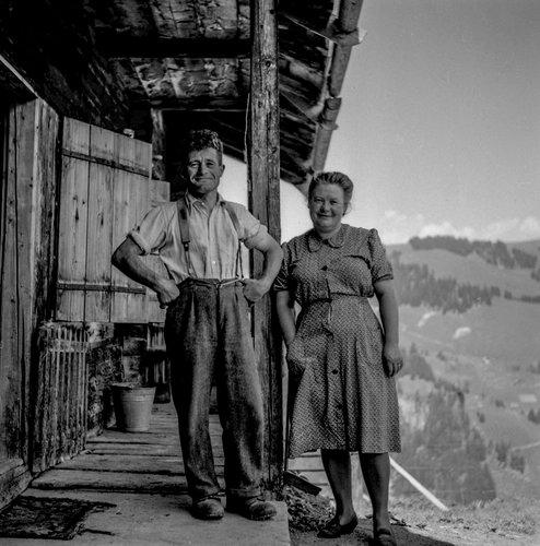 L'armailli et sa femme à Pâquier Roud