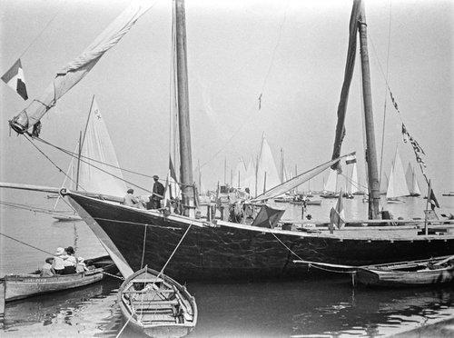 Genève, une barque dans la rade