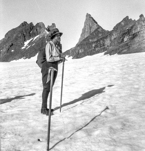 Suzanne au Glacier de Plan Névé