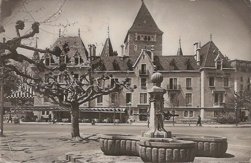 Lausanne Ouchy la fontaine de la place