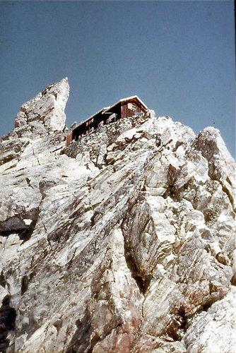 Cabane Bertol, 3311 mètres