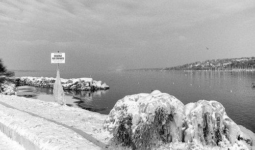 Genève, le gel à Baby-Plage en 1985