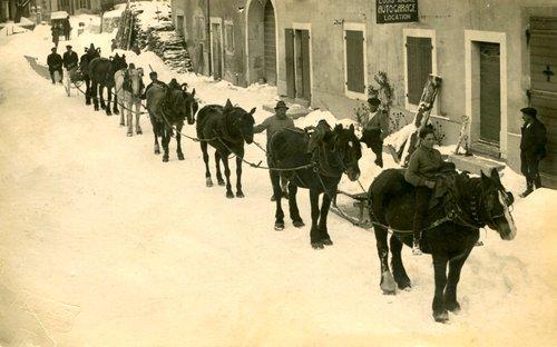 La famille André déneigeait à cheval à Saint-Cergue