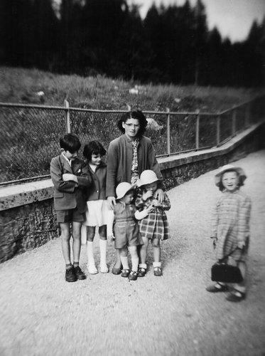 Ma Maman, mes sœurs et moi à la Brévine