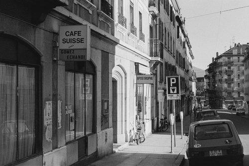 Genève, le Café Suisse aux Grottes