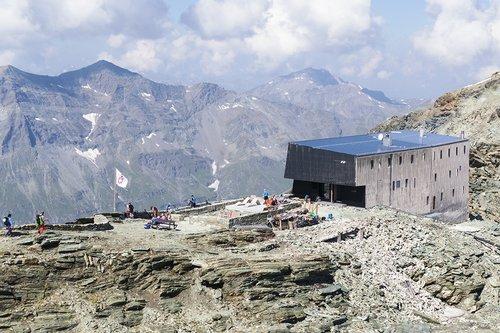 La cabane de Tracuit en 2018