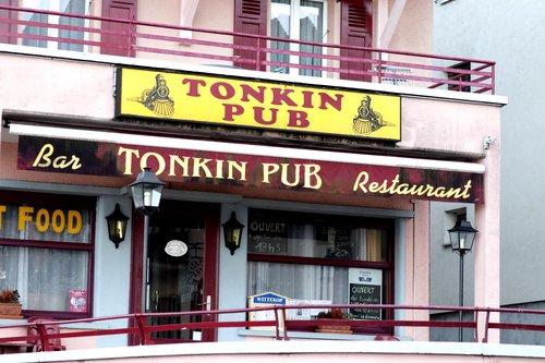 TONKIN PUB
