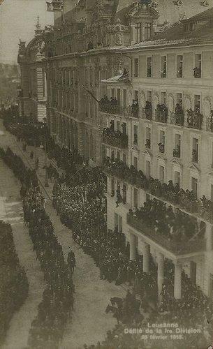 Lausanne Saint François défilé militaire