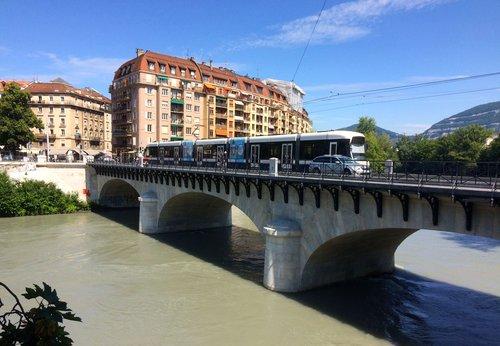 Pont de Carouge, rénové