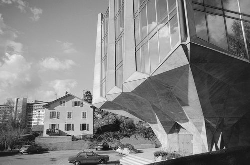 "Genève, immeuble ""La Tulipe"""