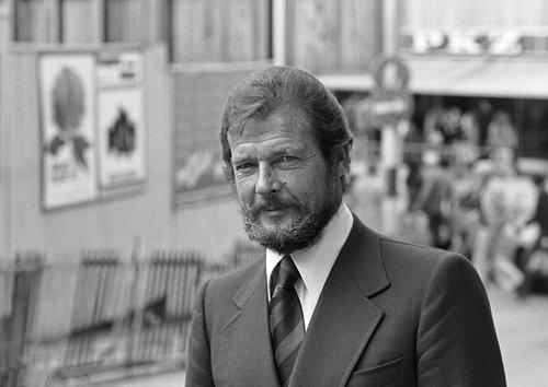 Genève, more Roger Moore...et PKZ