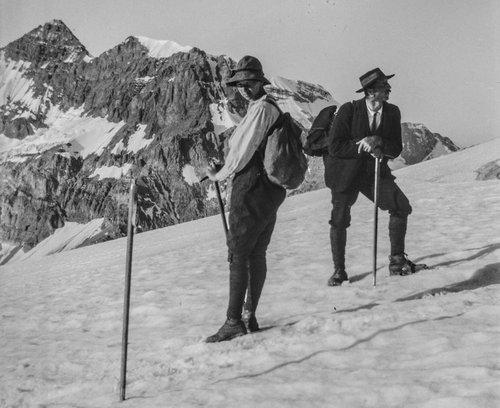 Onésime Crettex et Suzanne au glacier de Plan Névé