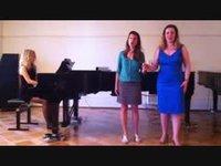 Fête de la musique à l'Institut de Ribaupierre; le duo des fleurs