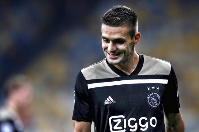 Tadic speelt sowieso niet zijn allerlekkerste wedstrijd voor Ajax...