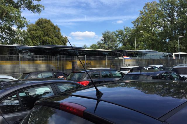 Je kunt voor VVV-uit kiezen tussen de bus en de auto