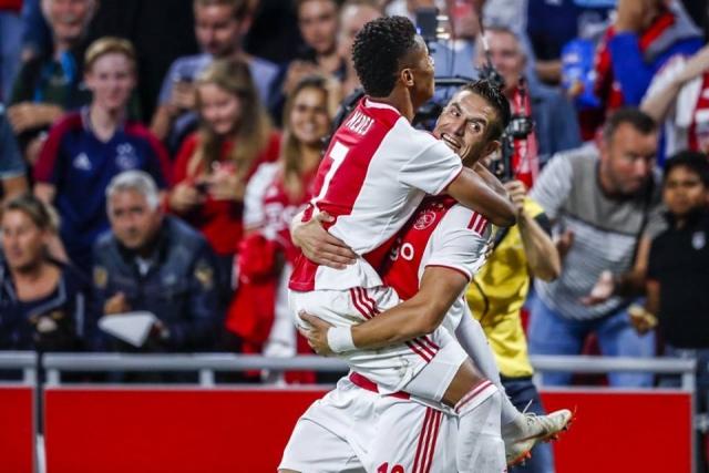 ...doet Ajax nu wel: die derde treffer maken!