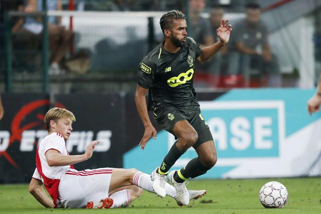 Dankzij een uithaal van Carcela moet Ajax nog serieus gaan oppassen ook...