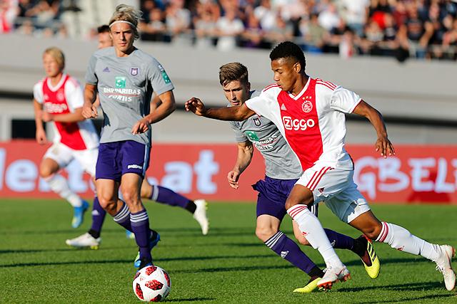 Neres is de meest frivole en daarmee ook beste speler aan de kant van Ajax
