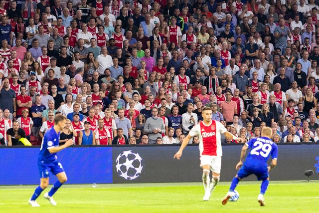 Ga staan als je voor Ajax bent!