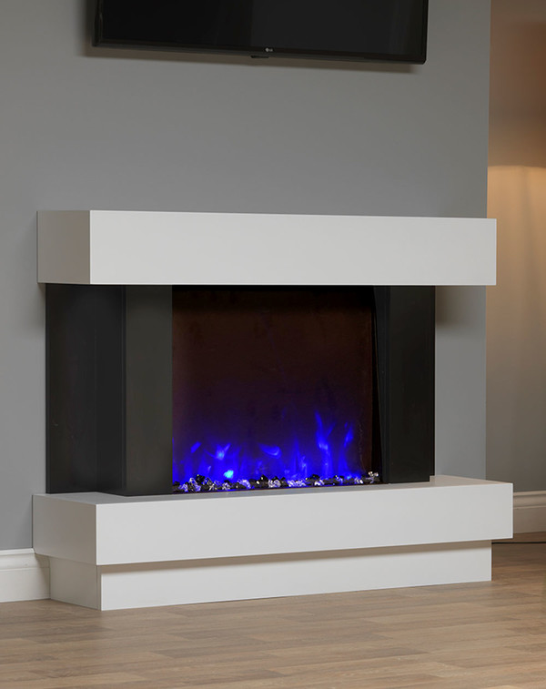 Electric Suite with Blue flame pattern and glass coals