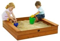 Plum   Vierkante houten zandbak