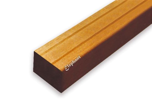 Hardhouten bangkirai regel   45x68mm   v-groef   245 cm