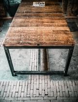 Steigerhouten eettafel op stalen frame