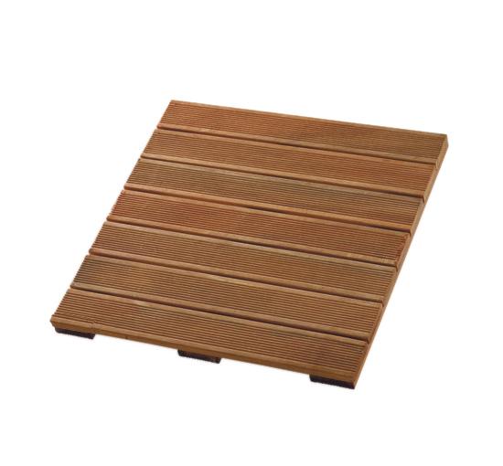 Deze hardhoutenterrastegels van 50x50 cm met anti slip ribbels zijn in totaal 2.4 cm dik en geschikt voor uw ...