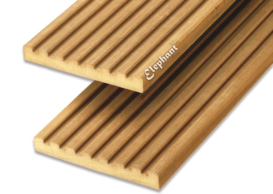 Houtsoort: garapa hardhout afwerking: semi ribbel/ groef afmeting:21 x 145mm lengte:395 cm let op: foto ...