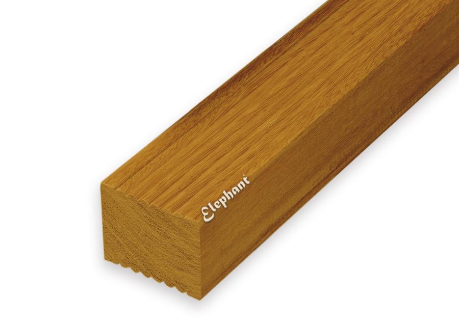 Houtsoort: kapurhardhout afwerking: geribbeld/ glad afmeting: 45 x 68mm lengte:275cm