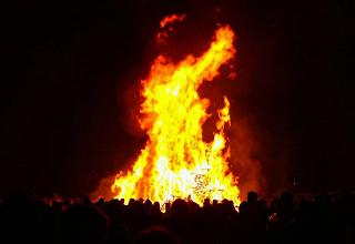 find your nearest bonfire in leeds leeds beckett students union rh leedsbeckettsu co uk